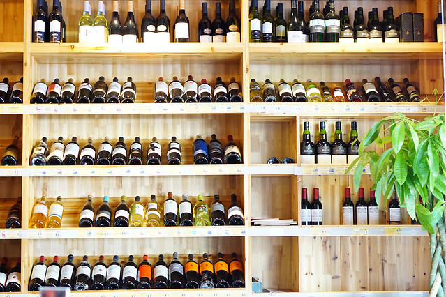wine-drink-bottle-shelf-food 图片素材