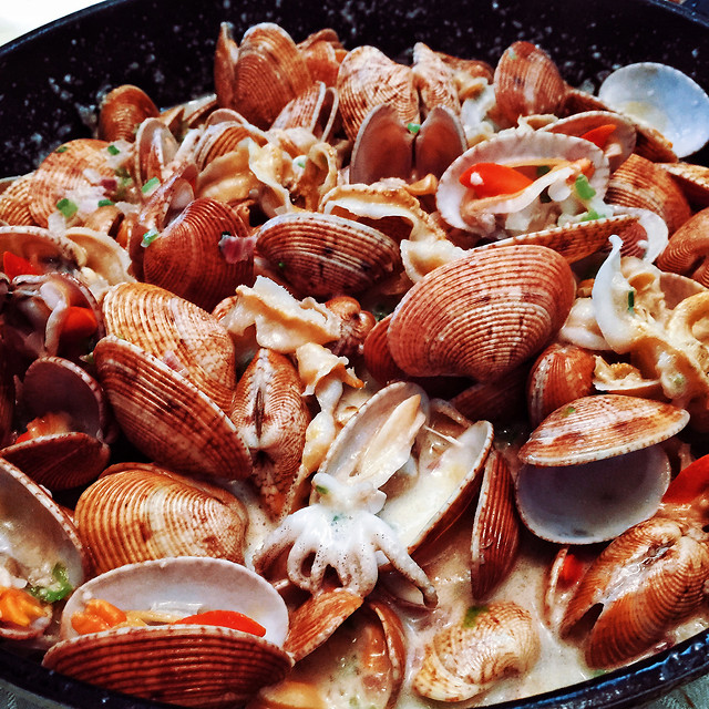 shellfish-food-clam-seafood-husking 图片素材