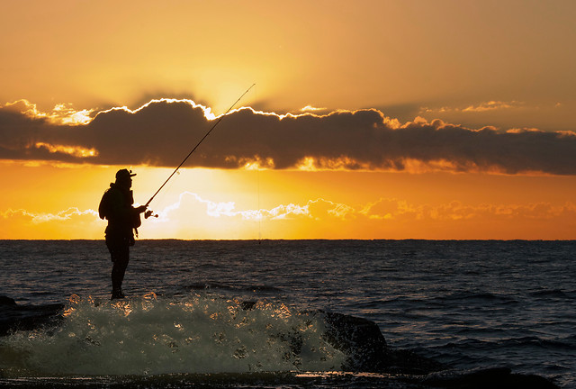 sunset-fisherman-water-beach-dawn picture material