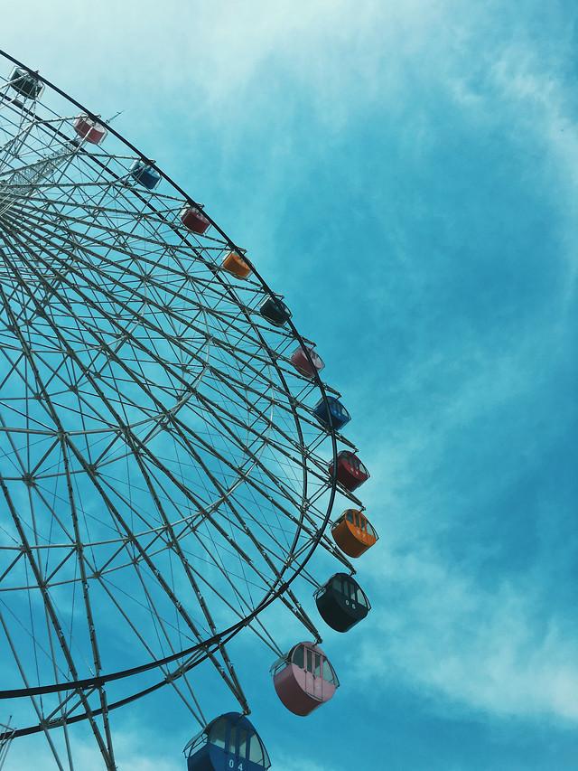 sky-carnival-entertainment-carousel-ferris-wheel picture material