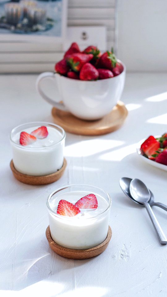 cream-breakfast-berry-milk-sweet picture material