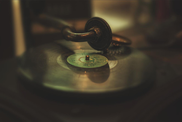 phonograph-record-vinyl-sound-gramophone-reflection picture material