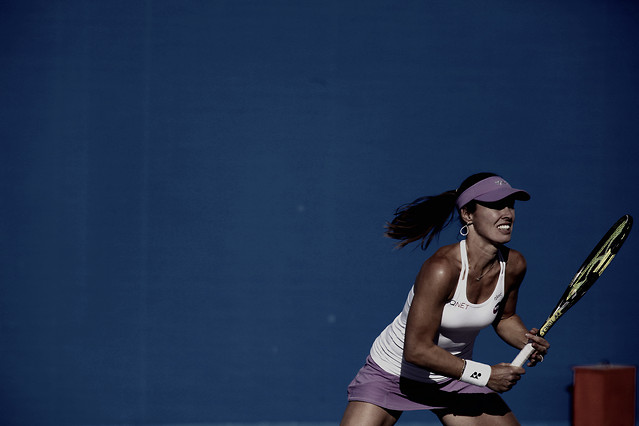 tennis-woman-competition-blue-racket picture material