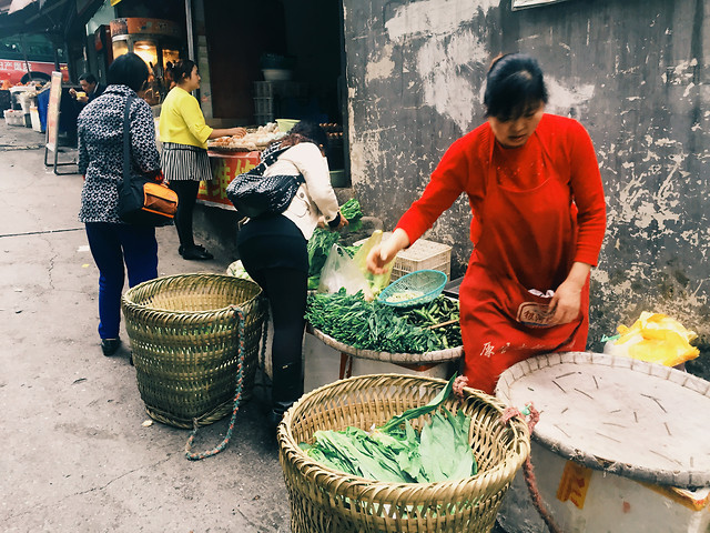 people-adult-market-group-woman 图片素材