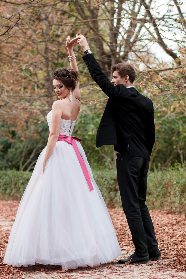 wedding-bride-groom-love-gown picture material