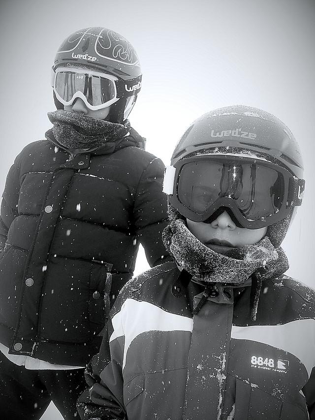 helmet-winter-goggles-war-people picture material