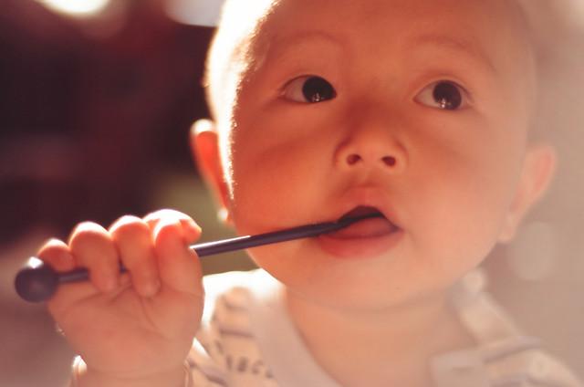 child-cute-lip-face-cheek picture material