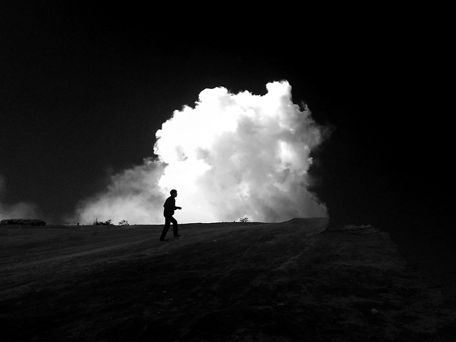 people-smoke-landscape-white-action picture material