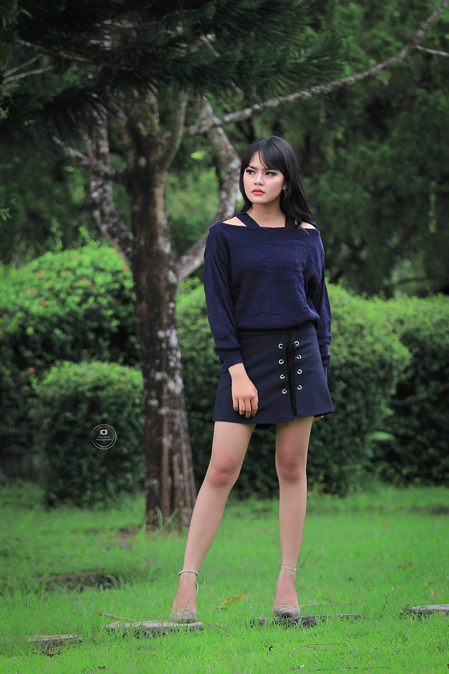 girl-woman-portrait-clothing-model picture material