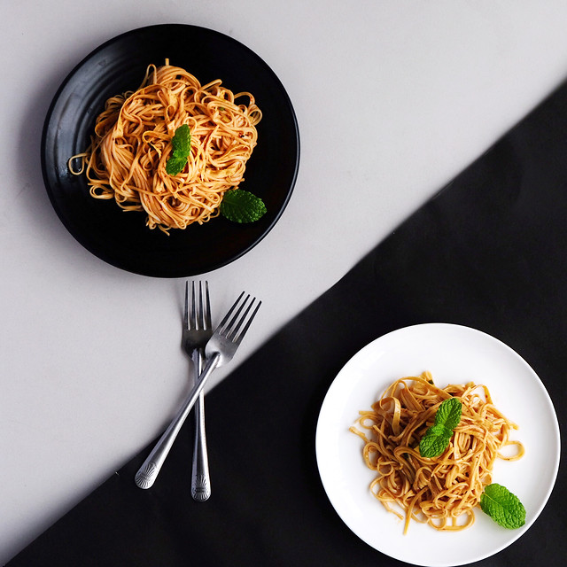 food-meal-dinner-spaghetti-noodles 图片素材