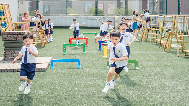 game-child-soccer-ball-competition picture material