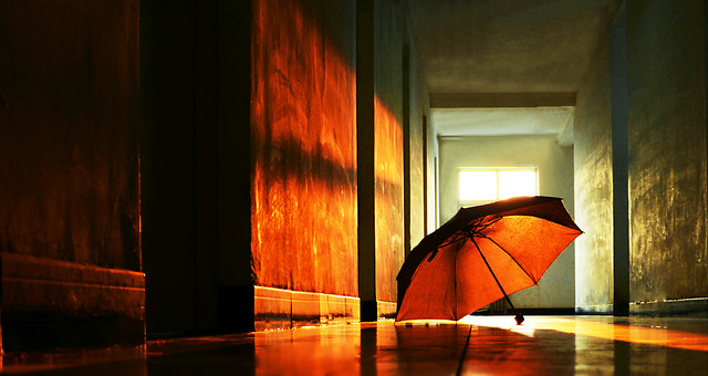 light-red-umbrella-street-art picture material