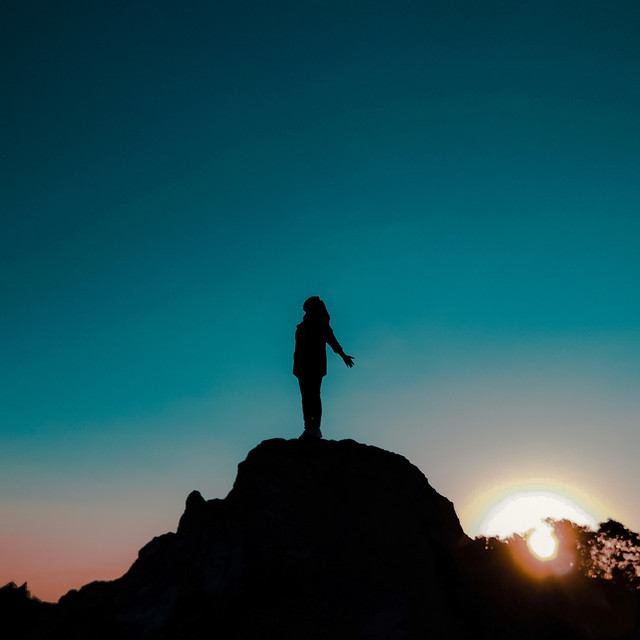 sunset-backlit-people-dawn-silhouette picture material