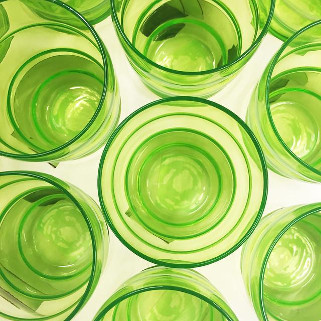 green-liquid-h2o-no-person-glass picture material