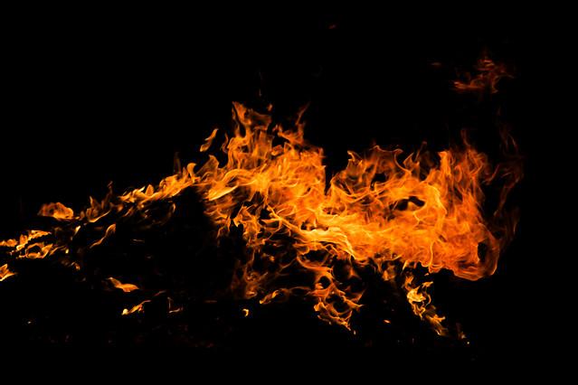 flame-smoke-burn-hot-bonfire 图片素材
