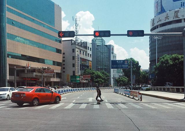 metropolitan-area-road-car-traffic-street 图片素材