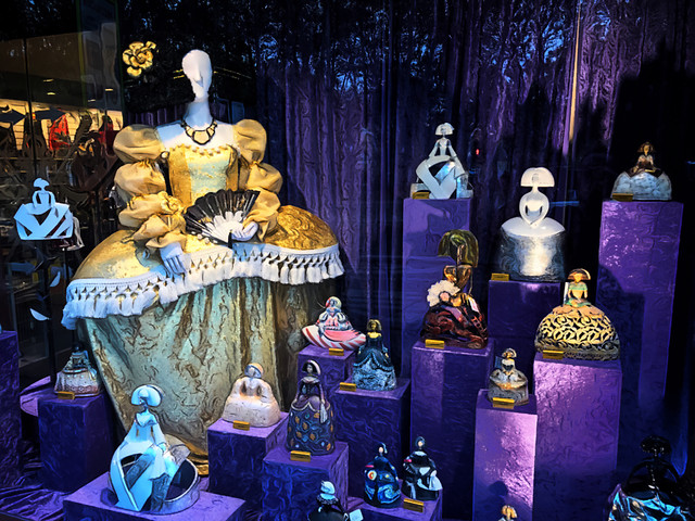 purple-display-case-display-window-theatrical-property-still-life picture material