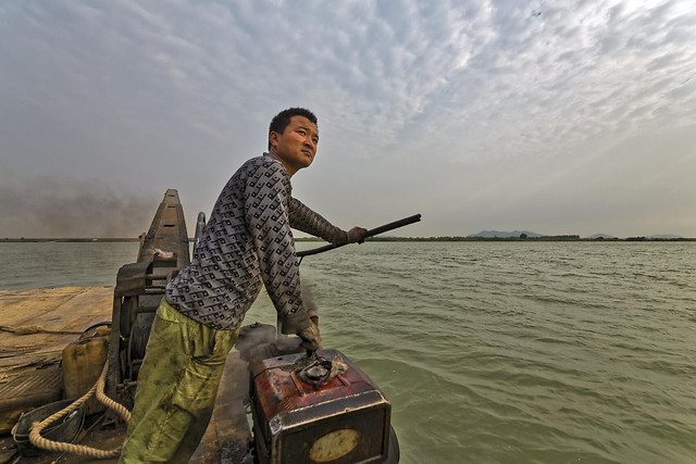 fisherman-water-one-watercraft-people picture material