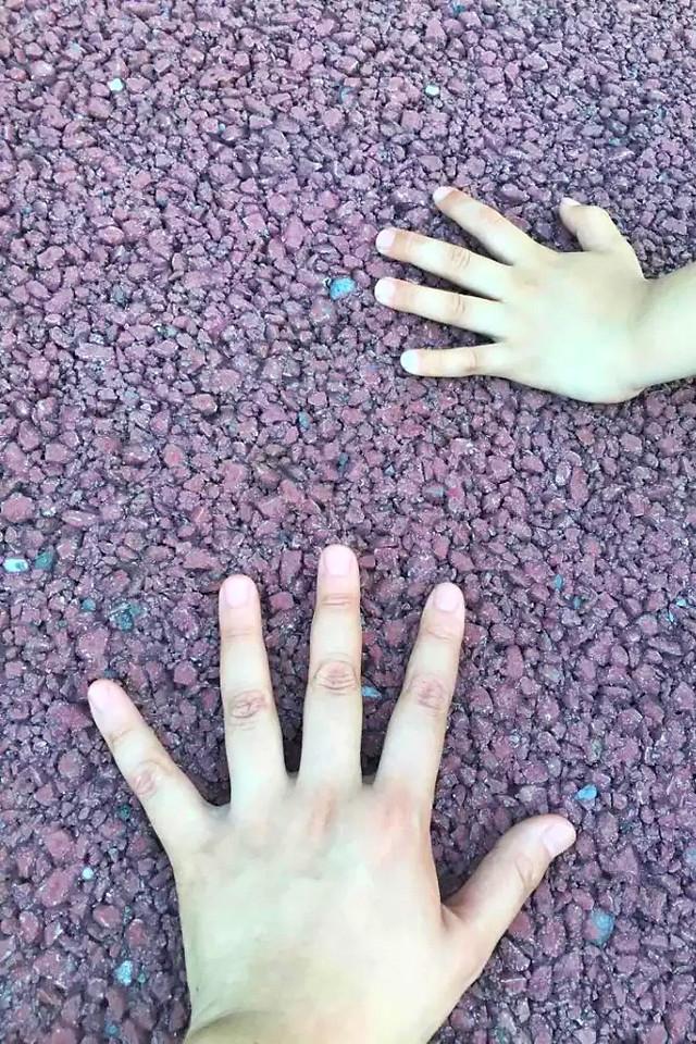 hand-desktop-finger-human-skin picture material