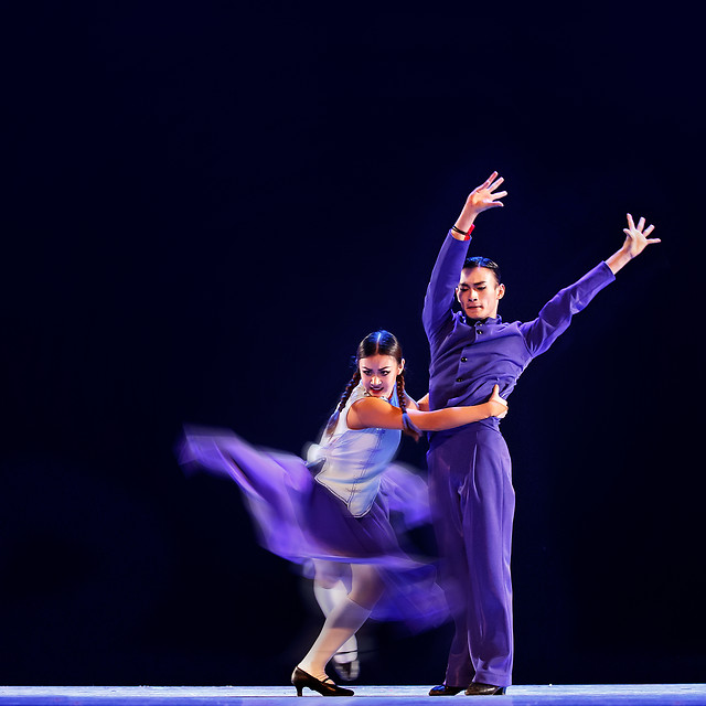 ballet-dancer-active-ballerina-motion 图片素材