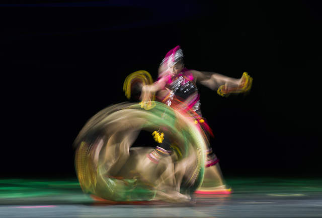 motion-performing-arts-blur-light-entertainment picture material