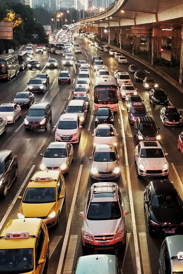 transportation-system-traffic-road-bus-car 图片素材