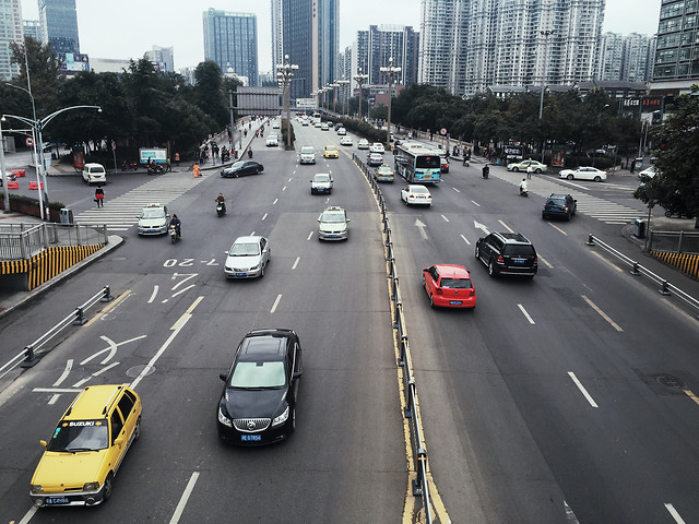 road-transportation-system-traffic-car-highway 图片素材