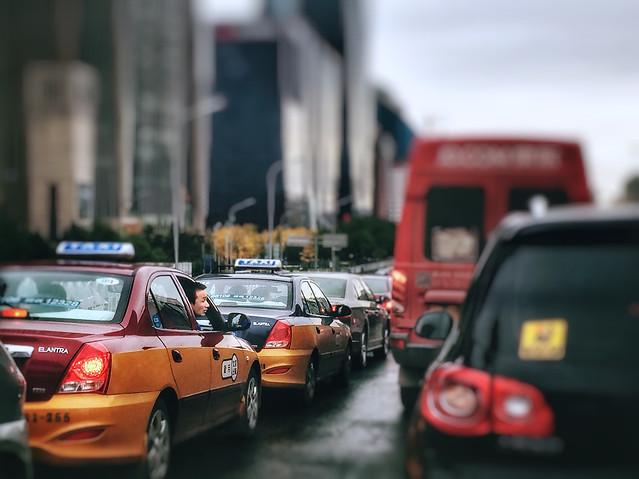 car-blur-street-vehicle-road 图片素材