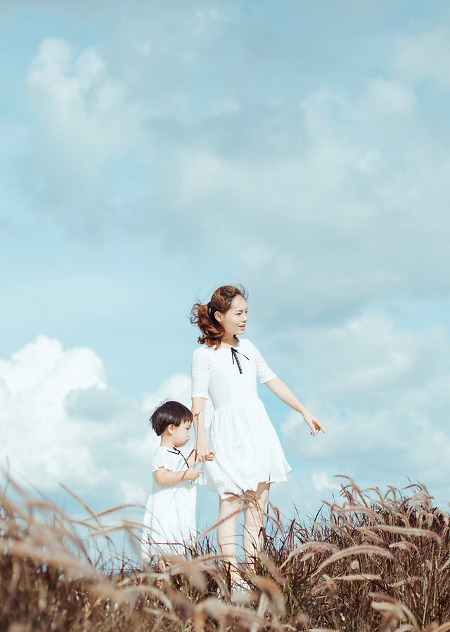 love-togetherness-outdoors-fun-joy picture material