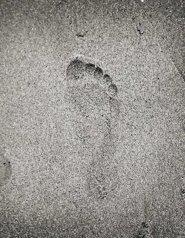 footprint-sand-texture-beach-desktop picture material