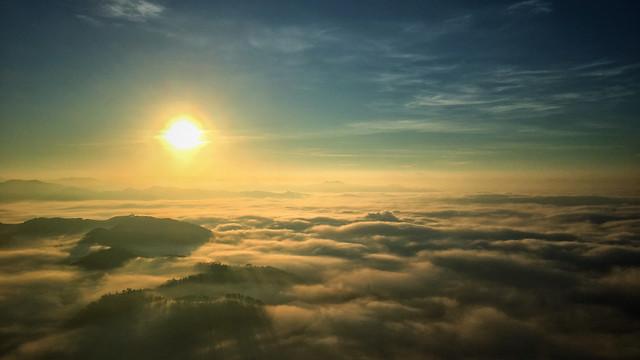 sky-cloud-dawn-atmosphere-sun 图片素材