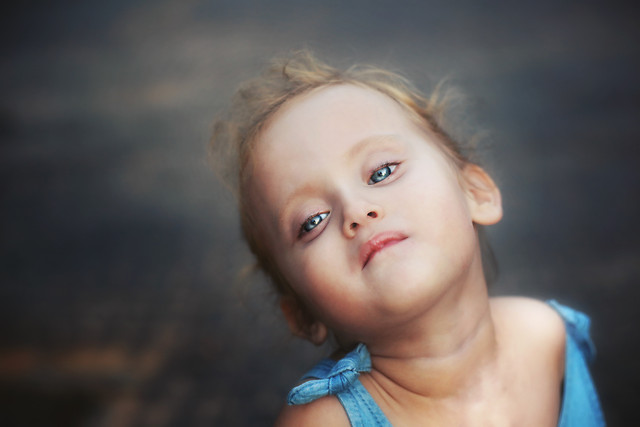 portrait-girl-child-face-people picture material