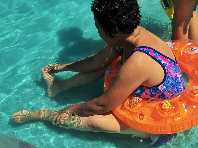 water-swimming-dug-out-pool-leisure-swimming-pool picture material