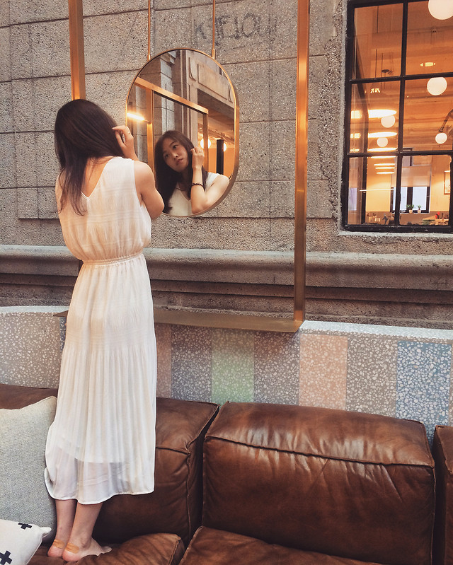 people-woman-fashion-girl-window picture material