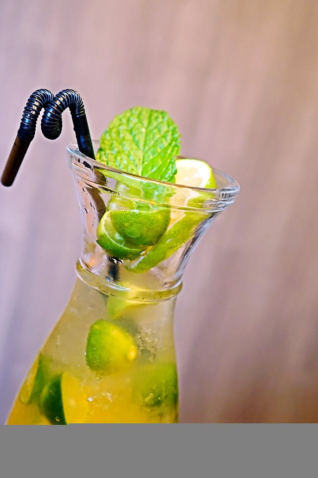 glass-juice-no-person-icee-leaf 图片素材