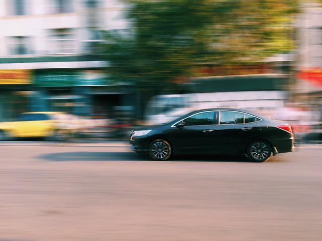 car-blur-hurry-asphalt-action picture material