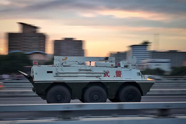 vehicle-transportation-system-motor-vehicle-military-car 图片素材