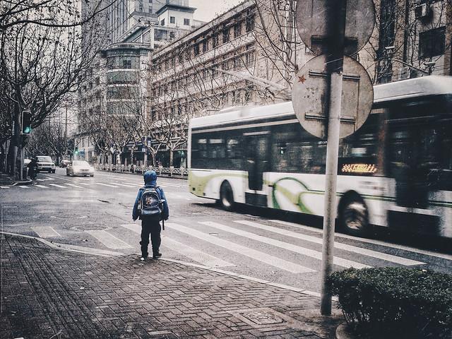 street-city-road-car-tramway 图片素材