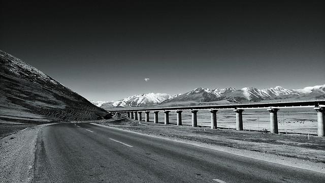 monochrome-road-snow-street-landscape picture material