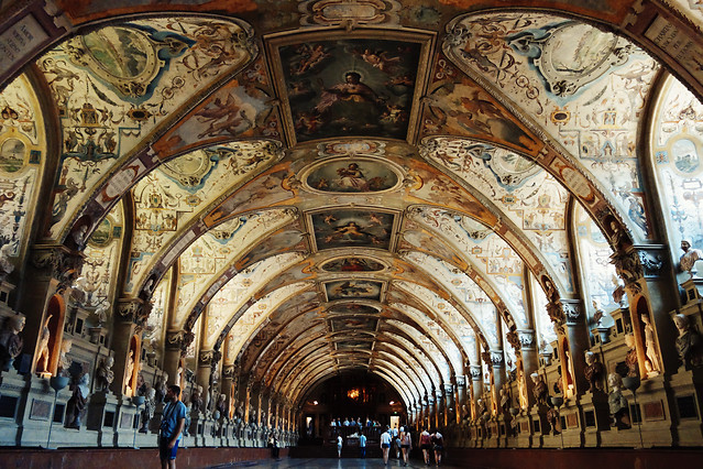 european-style-noble-symmetry-building-classical picture material