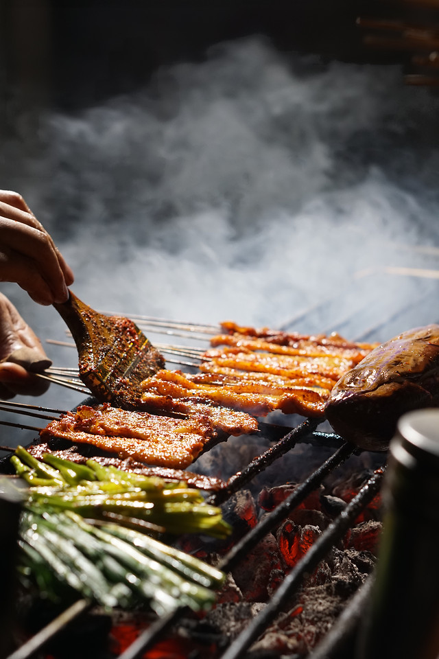 flame-smoke-barbecue-meat-food 图片素材