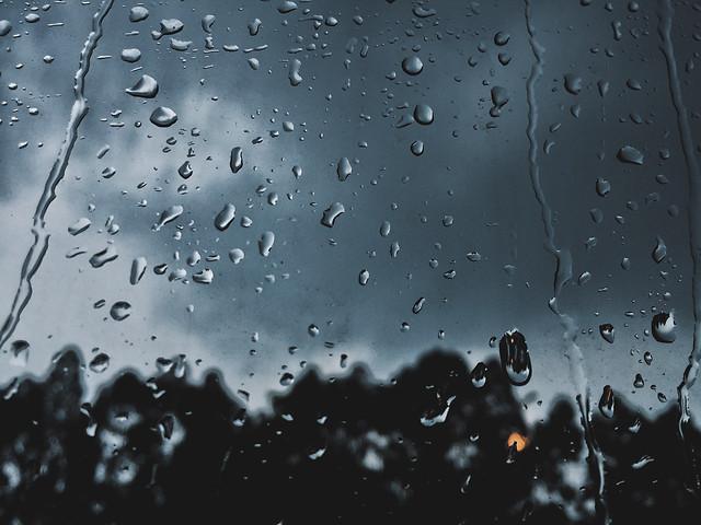 rain-wet-droplet-splash picture material