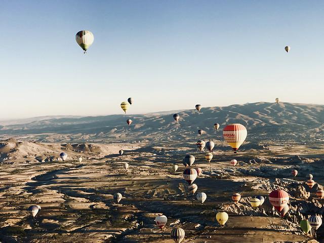 balloon-hot-air-balloon-sky-parachute-adventure picture material