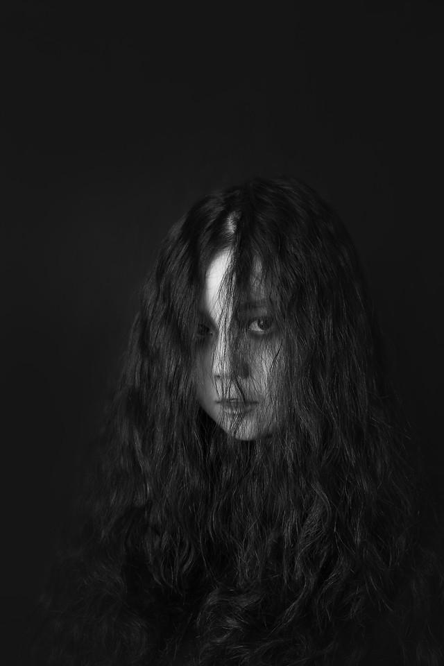 portrait-studio-one-black-photograph picture material