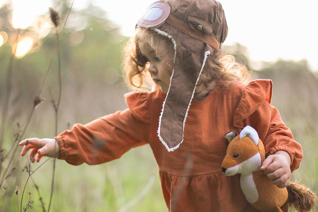 nature-child-woman-girl-grass picture material