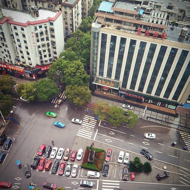 road-city-street-traffic-metropolitan-area 图片素材
