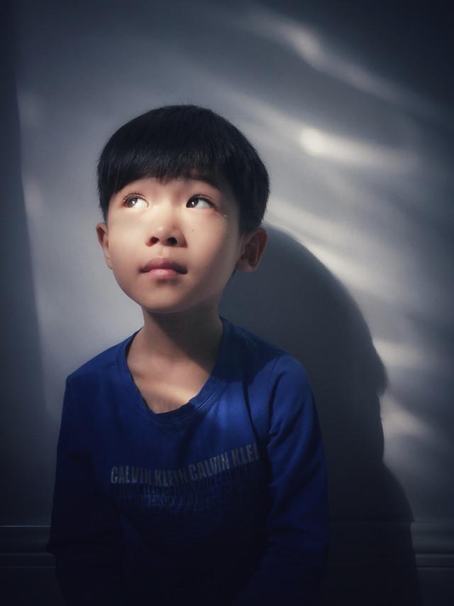 people-child-portrait-face-blue picture material