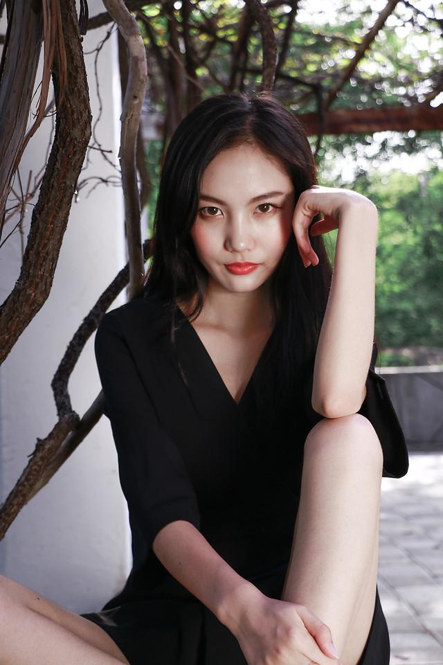 woman-fashion-girl-pretty-portrait picture material