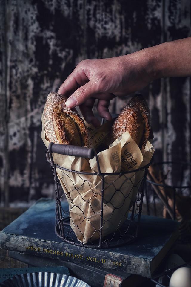 people-food-one-man-basket 图片素材