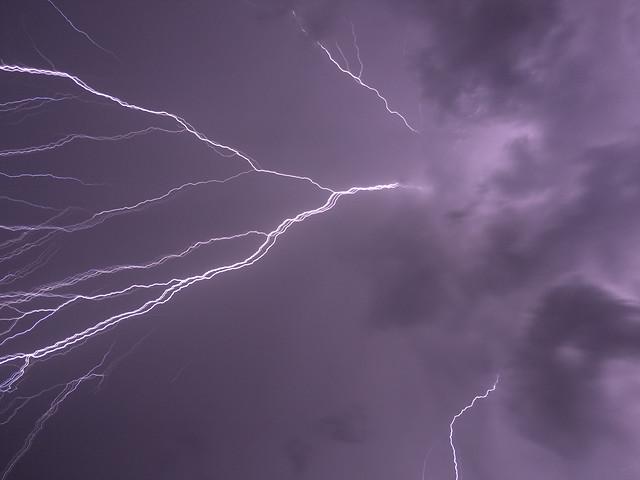 lightning-thunderstorm-storm-thunder-thunderbolt picture material
